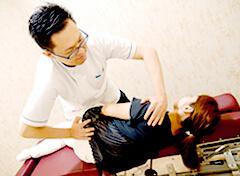 骨盤矯正の施術写真